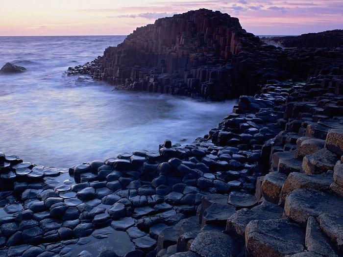 giants-causeway-antrim-northern-ireland