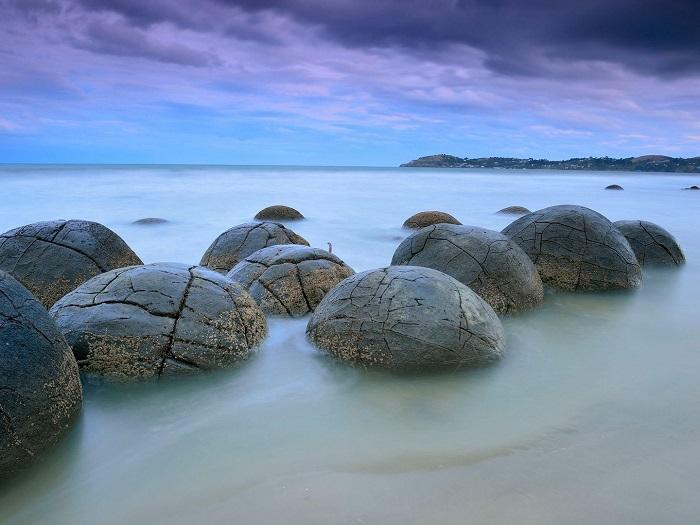 koekohe-beach-south-island-new-zealand