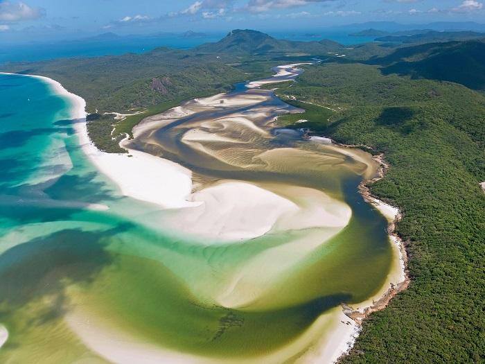 whitehaven-beach-queensland-australia