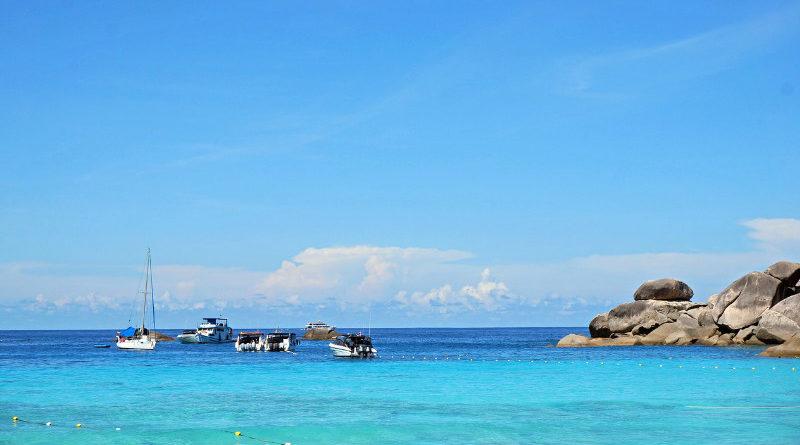 10 ทะเลไทยน่าไป ส่งท้ายปลายปี มีดีไม่แพ้ทะเลหน้าร้อน