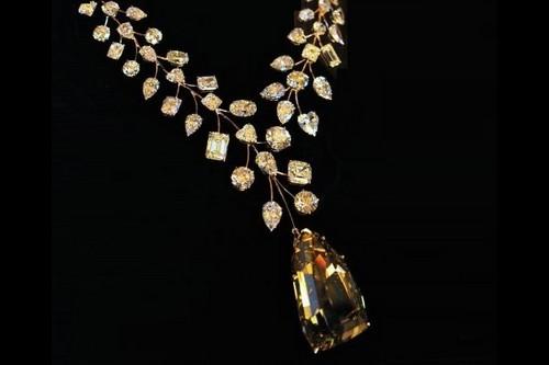 เครื่องเพชร แพง, สร้อยเพชร L'Incomparable Diamond Necklace