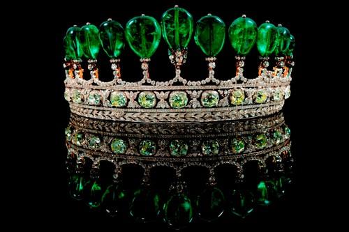 เครื่องเพชร แพง, เทียร์ร่า(มงกุฏเพชร) Emerald and Diamond Tiara