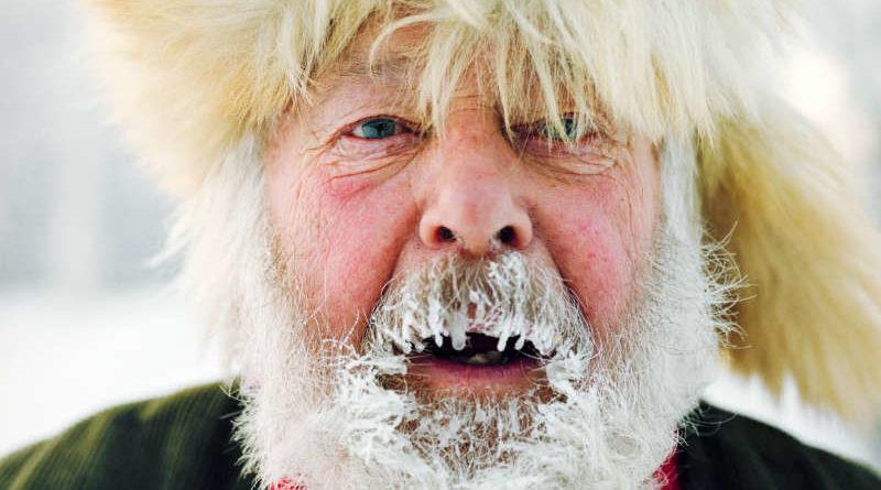 ยิ้มเย้ยหนาวติดลบ! 15 ภาพมนุษย์น้ำแข็งสุดตรอง กับวิถีชิวิตท้าติดลบ 45 องศา