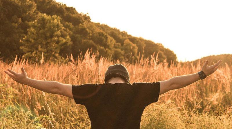 5 วิธีแก้รักแร้เปียก เรียกความมั่นใจให้ผู้ชาย ยกแขนแมนๆ ได้อย่างมั่นใจ