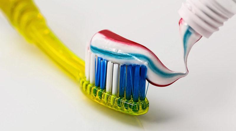 10 ประโยชน์ลับๆ ของยาสีฟันที่ช่วยให้ชีวิตง่ายขึ้นกว่าเดิม
