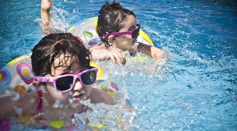วิธีป้องกัน-ช่วยเหลือเด็กจมน้ำ ช่วงหน้าร้อน ที่พ่อแม่ต้องระวัง
