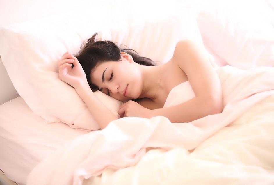 นอนแก้ผ้าช่วยให้หลับลึก
