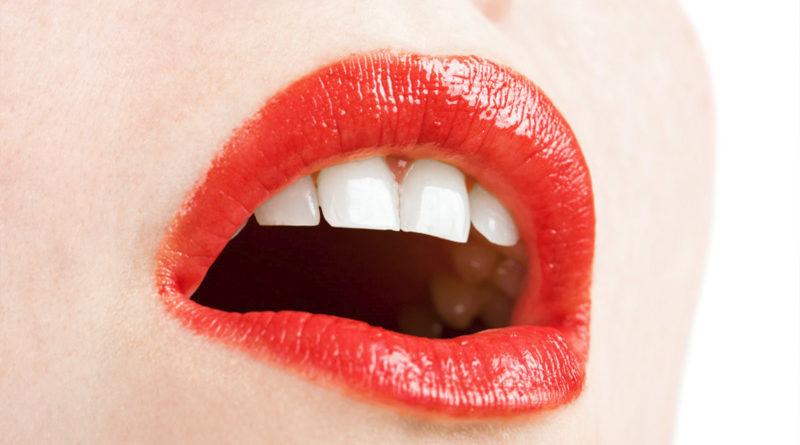 อยากฟันขาว แค่แปรงฟันอย่างเดียวคงไม่พอ