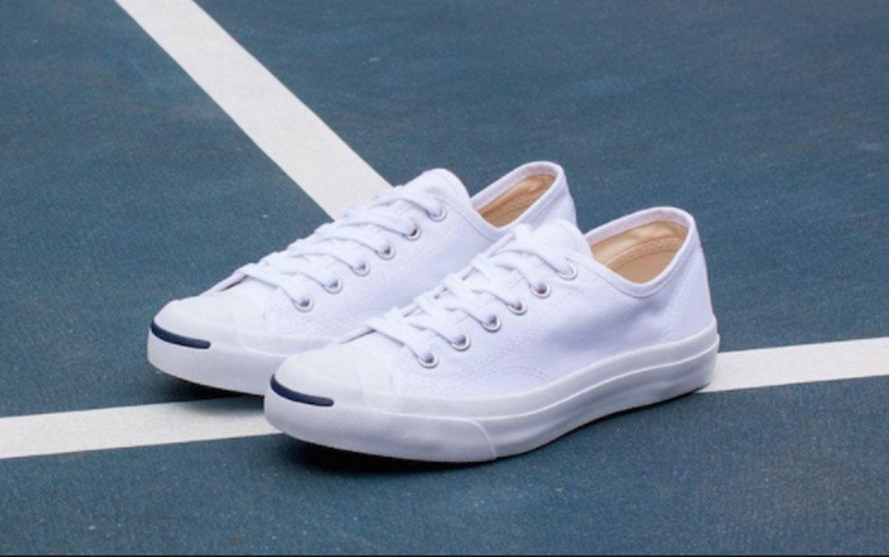 ddd5acc49be ใส่แล้วดูดี รองเท้า Sneaker ฮิตข้ามปี  เท่  แบบมีรสนิยม « UndubZapp