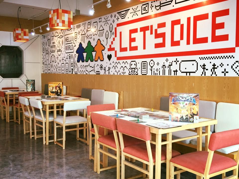 DICE CUP Board Game Café -BTS สนามกีฬาแห่งชาติ 1
