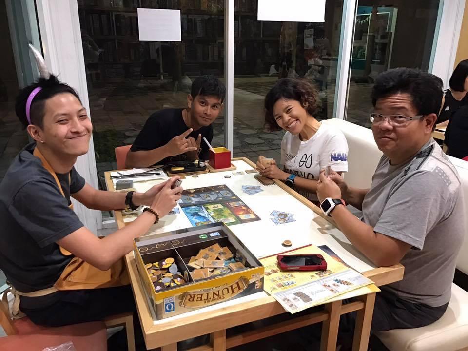 DICE CUP Board Game Café -BTS สนามกีฬาแห่งชาติ 2