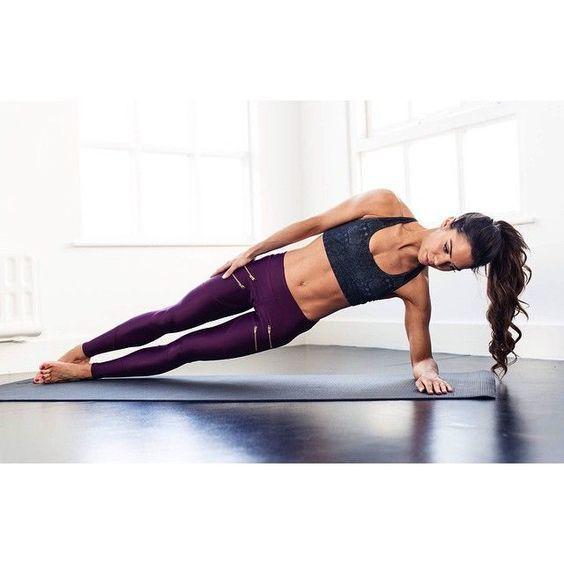 วันที่ 1 เสริมกล้ามเนื้อท้องและแขนให้กระชับ - ท่า Side Plank