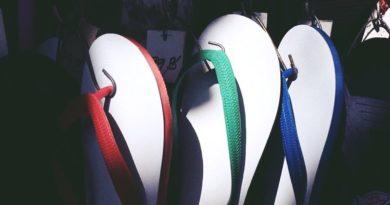 เลือดไทยแรง!! 5 รองเท้าแบรนด์คนไทย ที่เรา Proud to Present อย่างภาคภูมิใจ