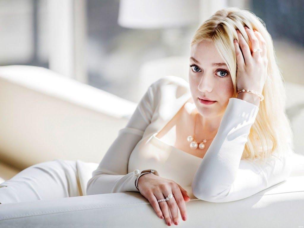 Hannah Dakota Fanning (a.k.a. Dakota Fanning)
