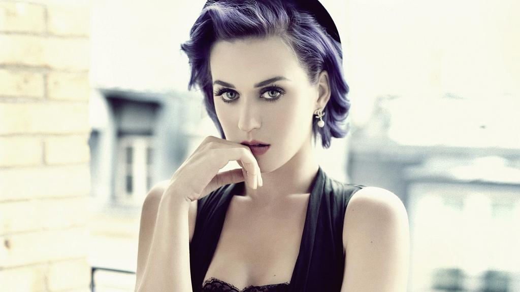 Katheryn Elizabeth Hudson (a.k.a. Katy Perry)