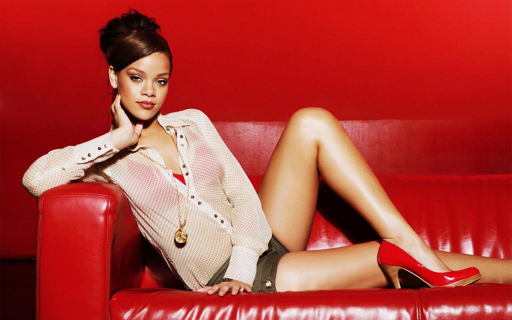 Robyn Rihanna Fenty (a.k.a. Rihanna)