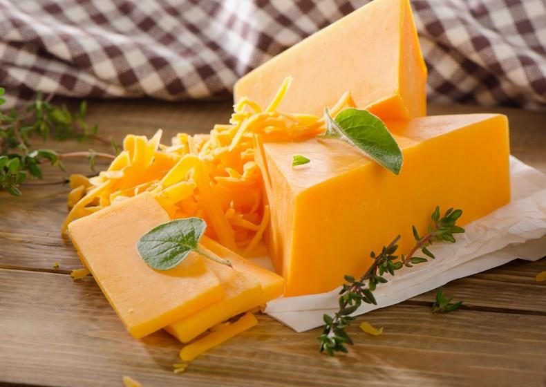 เชดดาชีส (Cheddar cheese)